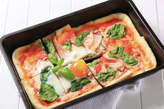 Pizza Alla Bismarck Imagen de archivo libre de regalías