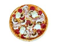 Pizza appetitosa con i funghi su un vassoio di legno fotografia stock libera da diritti
