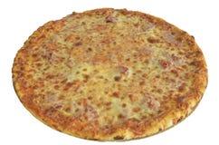 Pizza avec du fromage et le jambon d'isolement sur le blanc Images libres de droits