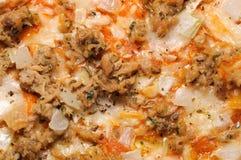 Pizza avec le plan rapproché de thon photo stock