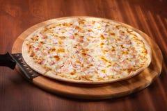 Pizza caliente Foto de archivo libre de regalías