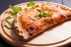 Pizza Calzone Stockfoto
