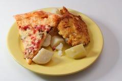 Pizza, carne y patatas Fotografía de archivo
