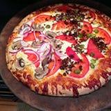 Pizza casalinga Immagine Stock