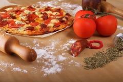 Pizza caseiro Fotografia de Stock Royalty Free