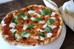 Pizza caseiro do margherita Imagens de Stock