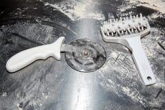 Pizza, cocina italiana, accesorios para la pizza Foto de archivo libre de regalías