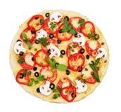 Pizza com camarão, cogumelos, close-up dos vegetais isolados no branco Fotografia de Stock