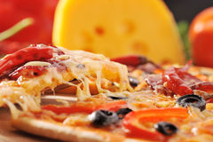 Pizza com queijo Foto de Stock Royalty Free