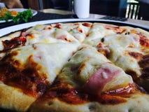 Pizza combinada fotografía de archivo