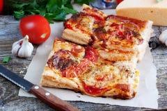 Pizza con il pomodoro ed il formaggio Immagine Stock Libera da Diritti