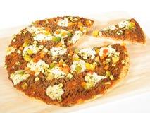 Pizza con la parte fotografie stock libere da diritti