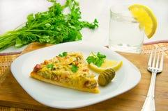 Pizza con la salsiccia ed i funghi Fotografia Stock Libera da Diritti