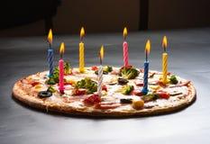 Pizza creatief met kaarsen Royalty-vrije Stock Afbeelding