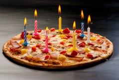 Pizza creativa con le candele Fotografia Stock Libera da Diritti