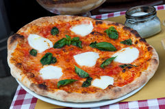 Pizza da mussarela fotografia de stock