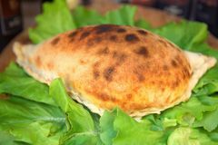Pizza de Calzone Photos libres de droits