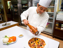pizza de chef Image libre de droits