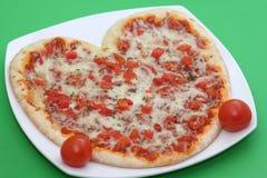 Pizza de coeur Photographie stock libre de droits
