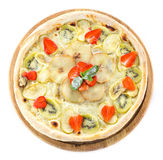 Pizza de fruit au-dessus du fond blanc Photo stock