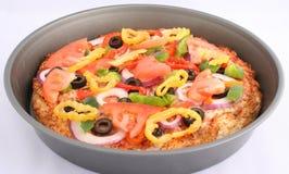 Pizza de la cacerola Fotografía de archivo libre de regalías