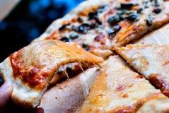 Pizza de Napole y pizza de queso Imágenes de archivo libres de regalías