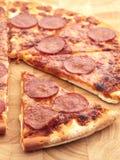 Pizza de pepperoni Photos libres de droits