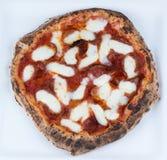 Pizza de Pepperoni ateada fogo madeira Imagens de Stock