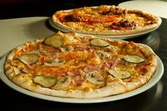 Pizza de queso imagenes de archivo