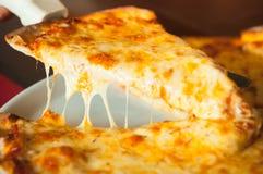 Pizza de queso Fotografía de archivo