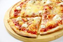 Pizza de queso tres aislada Imagen de archivo