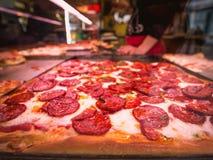 Pizza de salchicha en Florence Italy Imagen de archivo
