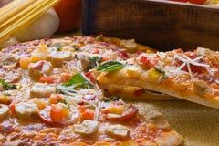 Pizza de salchichones Fotografía de archivo