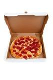 Pizza de salchichones en un rectángulo en blanco imagen de archivo