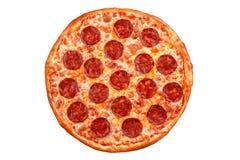 Pizza de salchichones Pizza italiana en el fondo blanco Imagen de archivo libre de regalías