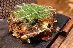 Pizza de style japonais, Okonomiyaki Photo stock