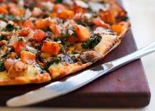 Pizza degli spinaci Immagine Stock