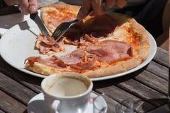 pizza del almuerzo de Italia Fotografía de archivo libre de regalías