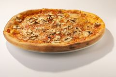 Pizza del fungo - pizza del fungo prataiolo Immagini Stock Libere da Diritti