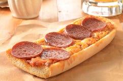 Pizza del pane francese Immagini Stock
