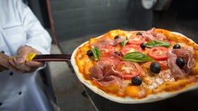 Pizza del prosciutto di Parma Immagine Stock Libera da Diritti