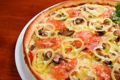 Pizza del tomate Fotografía de archivo libre de regalías