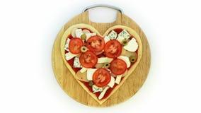 Pizza del vegetariano de la tarjeta del día de San Valentín almacen de metraje de vídeo