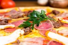 Pizza deliciosa Fotografía de archivo libre de regalías