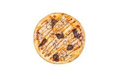 Pizza deliciosa com a carne e as cebolas da galinha dos cogumelos isoladas em um fundo branco Vista superior Imagem de Stock Royalty Free