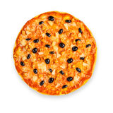 Pizza deliciosa con la piña, el pollo y las aceitunas Imágenes de archivo libres de regalías