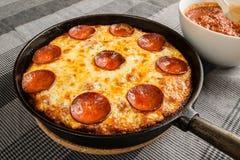 Pizza della pentola Immagini Stock Libere da Diritti