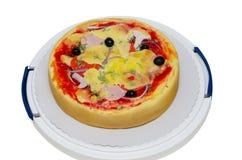 Pizza della torta di compleanno isolata su bianco Immagini Stock