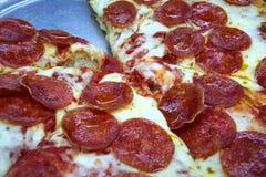 Pizza des Pepperoni-Geliebten Stockfotos