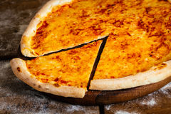 Pizza di formaggio Immagini Stock Libere da Diritti